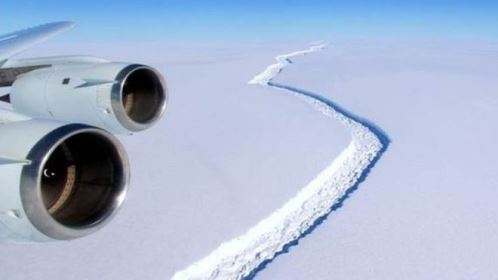 Fenda faz 'curva' e torna iminente descolamento de iceberg gigantesco da Antártida