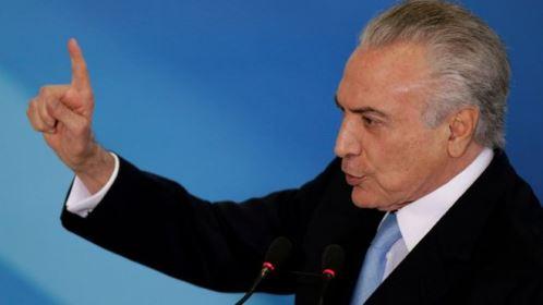 Na Rússia, Temer busca ar de 'normalidade' em meio a crise no Brasil