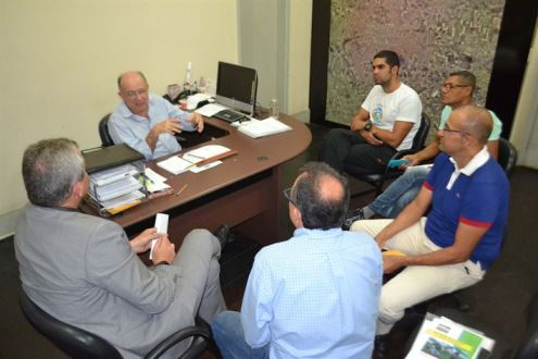 Ciclistas apresentam ao prefeito sugestões para melhorar segurança na Noide Cerqueira