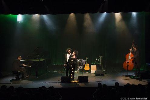 Letícia Sabatella mostra seu lado cantora