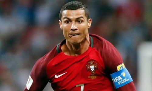 Enquanto Cristiano Ronaldo não definir se fica, Real Madrid não contrata ou vende ninguém