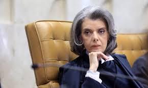 Cármen Lúcia diz que não 'há o que questionar' na fala de Temer sobre Abin
