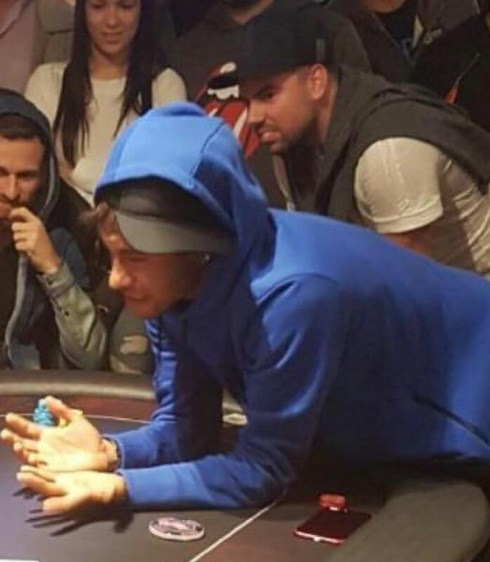 Em roda de pôquer com Neymar, Lucas Lima anuncia: jogará no Barcelona
