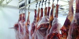 Abate de bovinos, suínos e frangos cresce no 1º trimestre em relação a 2016