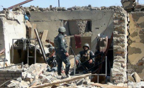 Ataque aéreo americano mata policiais afegãos por engano