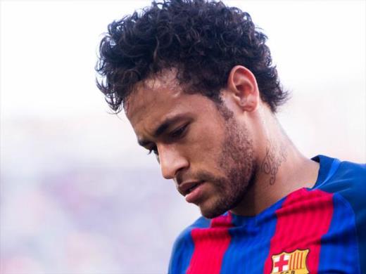 Neymar balança com proposta do PSG, e Barça tenta demovê-lo da ideia