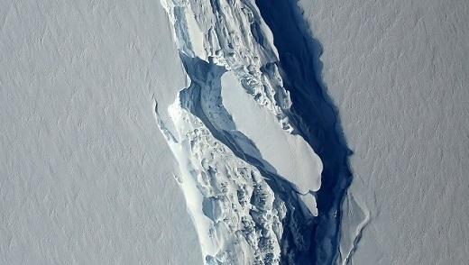Nova fenda aparece em plataforma na Antártida