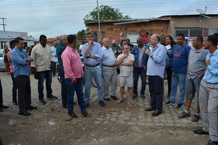 Começa pavimentação de ruas no Sítio Matias