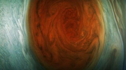 As imagens de 'close' inédito da Grande Mancha Vermelha de Júpiter enviadas pela sonda Juno