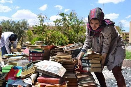 Historiador tenta reconstruir biblioteca da Universidade de Mossul após saída do Estado Islâmico