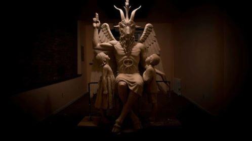 Satanistas criam curso infantil para contrapor ensino cristão em escolas dos EUA