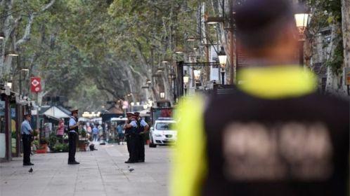 Ataque em Barcelona e suspeitos mortos em Cambrils: o que se sabe até agora