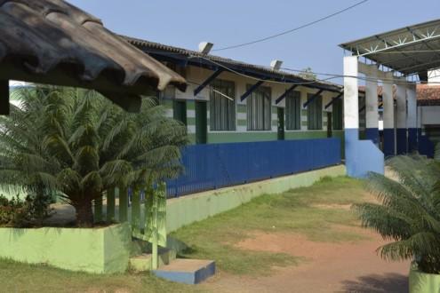Suspeitos invadem dispensa de escola e furtam quase 100 kg de alimentos