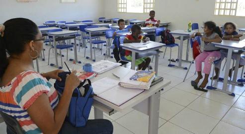 Programa de bolsas para professor tem redução de 14,8%
