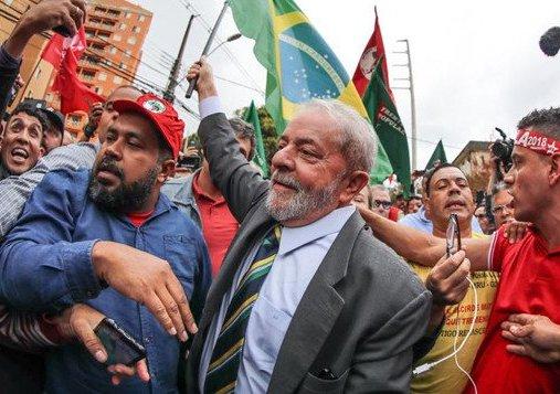 LULA DISPARA APÓS CONDENAÇÃO E DISPUTA 2º TURNO COM BOLSONARO