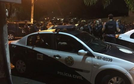 Forças Armadas e polícia do RJ cumprem 26 mandados de prisão durante operação integrada em Niterói