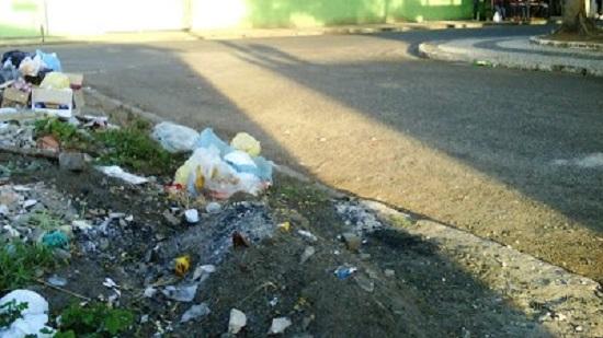 Incrível mas é verdade, empresa de pesquisa em Feira de Santana diz que 90,8%  aprova coleta de lixo da cidade.