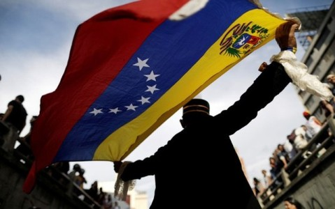 Oposição decide disputar eleições regionais na Venezuela