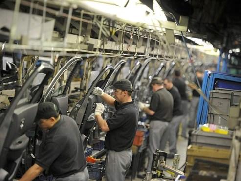 Produção industrial cresce 2,5%