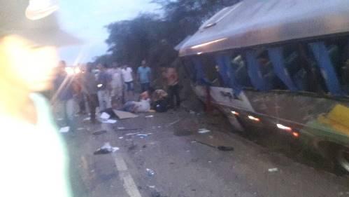 Grave acidente envolvendo ônibus de estudantes de Ipirá