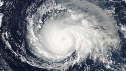 Imagens da Nasa mostram avanço do furacão Irma, o mais forte da última década