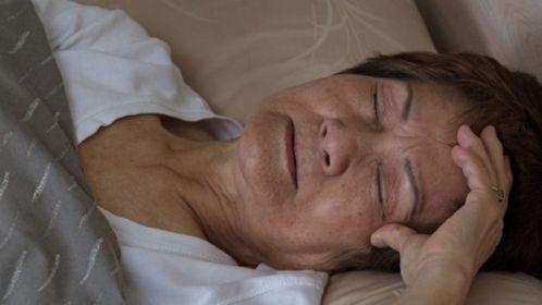 Má qualidade do sono em mulheres com mais de 40 anos prejudica a saúde