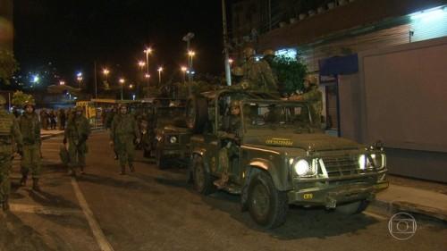 Forças armadas deixa a Rocinha, após uma semana