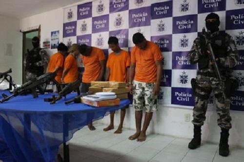 Operação no litoral norte, apreende drogas e  armas avaliadas em meio milhão de reais