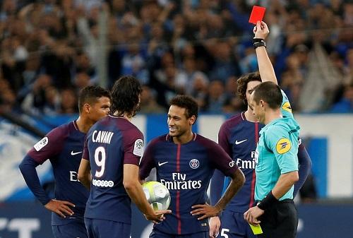 """""""Esquece e vai jogar"""", orientação de Tite para Neymar e cia."""