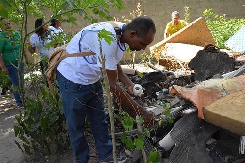 Secretaria de Saúde realiza ação em imóveis fechados no combate ao mosquito da dengue