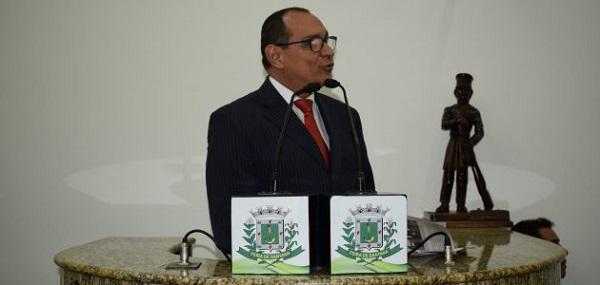VEREADOR FEIRENSE PONTUA ABANDONO DO CENTRO DE ABASTECIMENTO