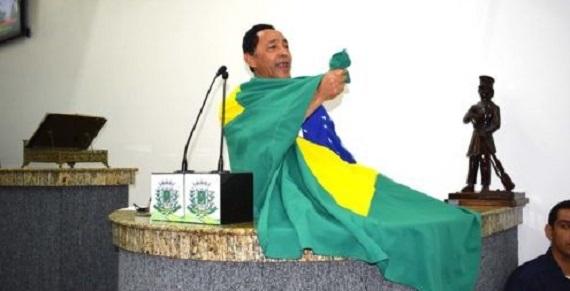 O vereador Edvaldo Lima de forma sutil registra sua insatisfação com o PP