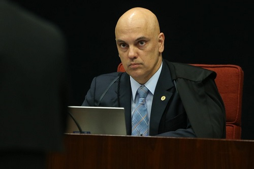 Ministro determina que voto no Senado sobre afastamento de Aécio seja aberto
