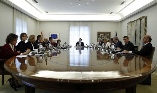 Conselho de Ministros da Espanha dão início ao processo de suspensão da autonomia da Catalunha