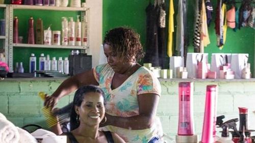 Segundo IBGE os pequenos negócios já empregam mais da metade dos trabalhadores no país
