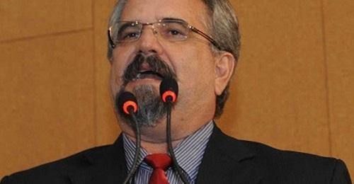 """Marcelino Galo: """"TEMER É UMA AMEAÇA À CLASSE TRABALHADORA E À SOBERANIA NACIONAL"""""""