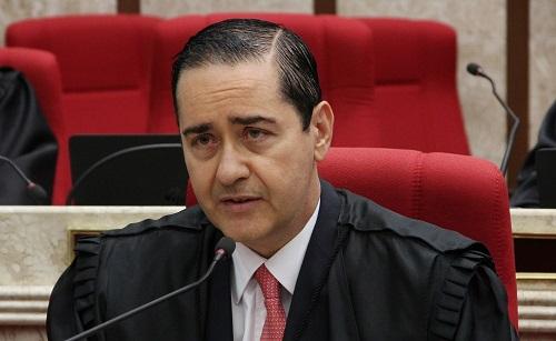 Carlos Eduardo Thompson, presidente do TRF4, vê Lula julgado antes da eleição