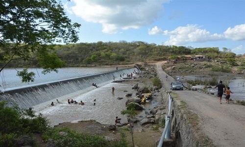Barragem de Jaguara sangra decorrente as chuvas nas cabeceiras