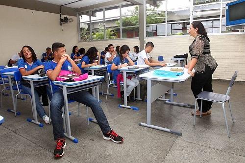 Bahia terá concurso com 3,6 mil vagas para professores e coordenadores