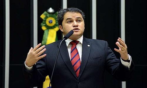 Relator da Câmara, Efrain Filho, espera aprovar do fim foro privilegiado em 2018