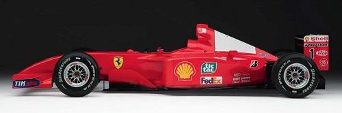 A Ferrari de Schumacher é leiloada em Nova York e é vendida por US$ 7,5 milhões