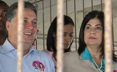 Roubaram o Rio de Janeiro que agora está sendo governado da cadeia