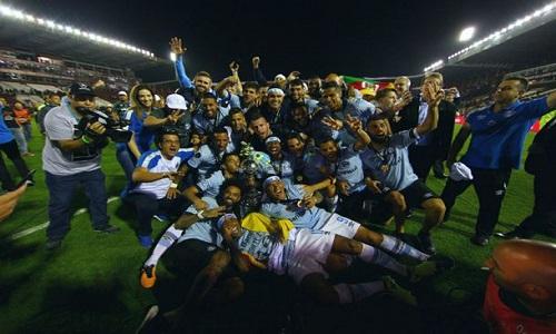 Grêmio vence o Lanús por 2 a 1 e conquista o tri da Libertadores
