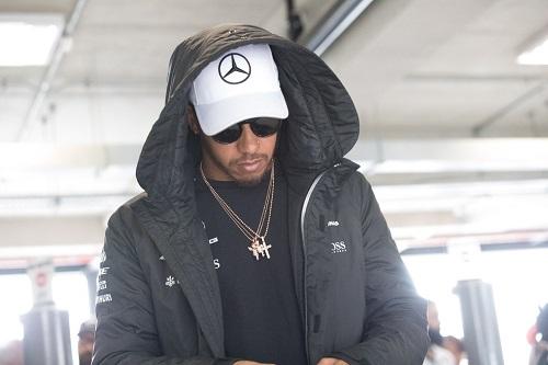 Equipe de  Lewis Hamilton é assaltada na saída de Interlagos