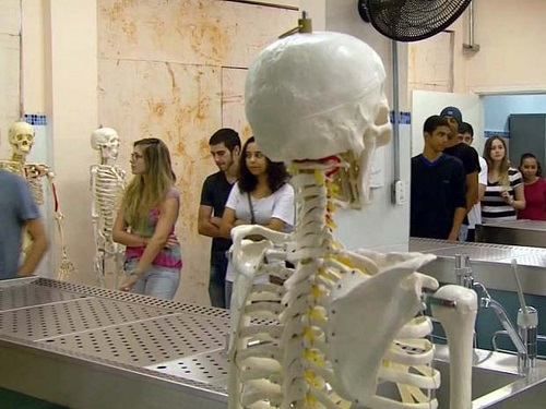 MEC: Governo vai proibir novos cursos de medicina por 5 anos