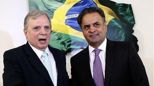 Aécio destitui Tasso do comando do PSDB