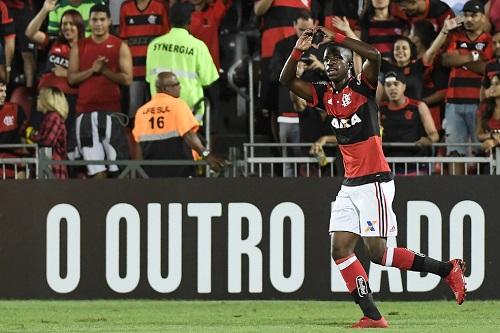 Vinicius Junior é elogiado por jornais de Madri, como craque