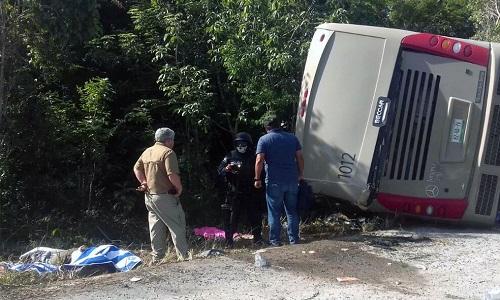Acidente com ônibus de turismo no México deixa 12 mortos