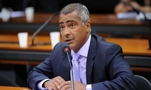 Romário lança candidatura à presidência da CBF
