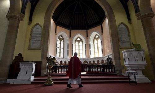 Filhos de padres católicos lutam pelo reconhecimento da sociedade